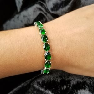 Emerald Green Bracelet with Silver Accents